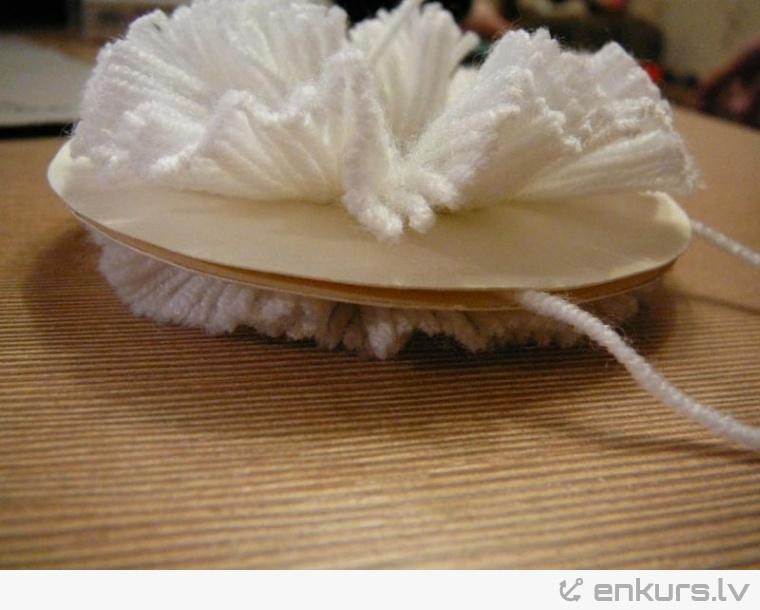 Kā uztaisīt bumbuli cepurei