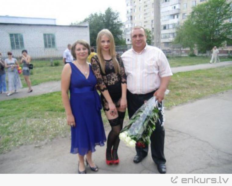 Мама 17-летней Насти Фоменко (школьницы, пришедшей на выпускной в