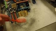 Man teica iztīrīt datoru no putekļiem