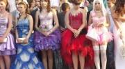 Mūsdienīgas izlaiduma kleitas